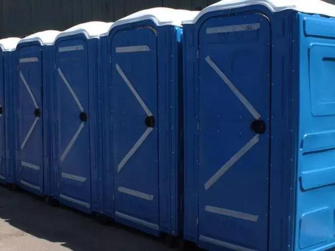 взять в аренду мобильную туалетную кабину